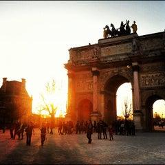 Photo taken at Arc de Triomphe du Carrousel by Alan W. on 3/16/2012