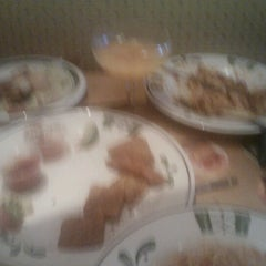 Photo taken at Olive Garden by Ivory S. on 9/3/2012