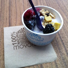 Photo taken at Moyo Frozen Yogurt by Michelle V. on 3/9/2012