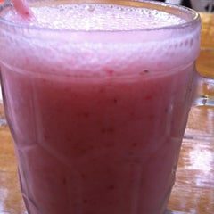Photo taken at Domnic Juice Bar by Lena A. on 3/21/2012