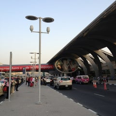 Photo taken at Terminal 3 المبنى by Chawarot C. on 7/3/2012
