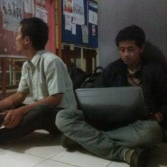 Photo taken at Fakultas Teknik by Prastyo Cha G. on 5/7/2012