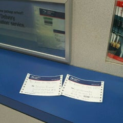 Photo taken at Hampton Post Office by Tycoon W. on 3/13/2012