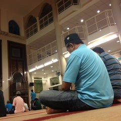 Photo taken at Masjid Al Najihin (مسجد الناجيهين) by Saifuddin A. on 7/19/2012