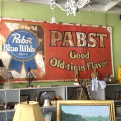 Photo taken at Antique Alley by Roxane L. on 7/14/2012