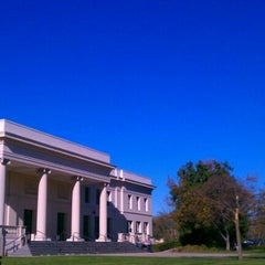 Photo taken at The Huntington Library, Art Collections, and Botanical Gardens by Nic Cha K. on 1/5/2012