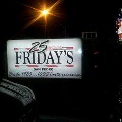 Foto tomada en Friday's por Carlos C. el 12/3/2011