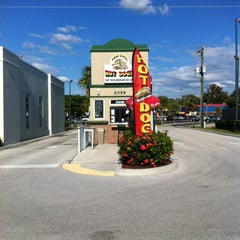 Photo taken at mad dogs hot dogs by Alberto G. on 10/23/2011
