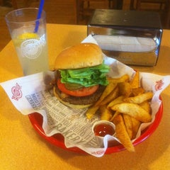 Photo taken at Fuddruckers by Craig B. on 4/30/2012