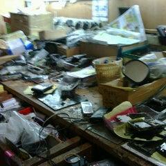 Photo taken at Link Cellular Depan Kantor DPRD Bukittinggi by animan i. on 8/19/2011