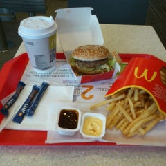 Photo taken at McDonald's by Semeon M. on 8/20/2012