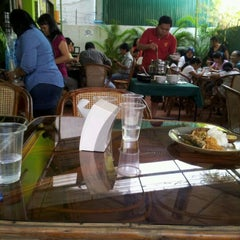 Photo taken at Sumatra Indonesian Restaurant by rony w. on 2/5/2012
