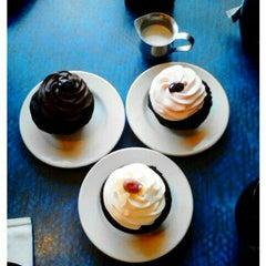 Photo taken at Jarets Stuffed Cupcakes by Y N. on 1/15/2012