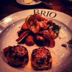 Photo taken at Brio Tuscan Grille by A. E. on 5/11/2012