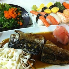 Photo taken at อร่อยจังเทอริยากิ (Aroi-Jung Teriyaki) by Non A. on 4/5/2012