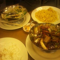 Photo taken at China Town Noodle Bar 中華美食 by P B. on 9/12/2011