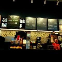 Photo taken at Starbucks (สตาร์บัคส์) by 🌀PlaKlap🔆ng🌀 on 4/7/2012
