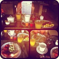 Photo taken at One & Only Reethi Rah Restaurant by Margarita S. on 6/27/2012