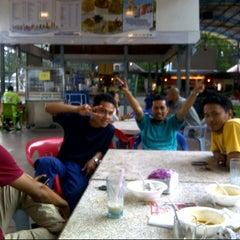 Photo taken at Maza Jungle Food Court by Sheikh Qodir A. on 7/9/2012