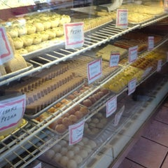 Photo taken at Rajjot Sweet & Snack Food To Go by Gregory K. on 6/29/2012
