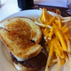 Photo taken at Steak 'n Shake by Todd M. on 11/21/2011