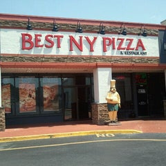 Photo taken at Best New York Pizza by Gina C. on 7/11/2011