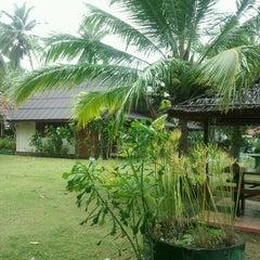 Photo taken at Sukorn Beach Bungalows Trang by Treerat C. on 5/5/2012