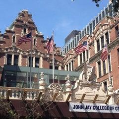 Das Foto wurde bei John Jay College of Criminal Justice von Thomas H. am 8/26/2012 aufgenommen