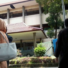 Photo taken at Fakultas Teknik by Anna A. on 3/1/2012
