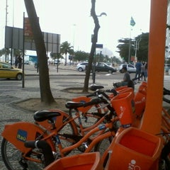 Photo taken at BikeRio - Estação 05 by Dayane F. on 7/30/2012