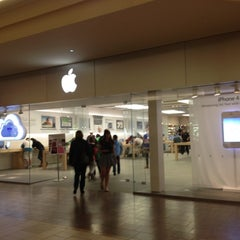 Photo taken at Apple Store, Burlington by Isabel S. on 2/11/2012