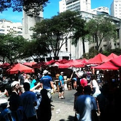 Photo taken at Feira de Artes e Artesanato de Belo Horizonte (Feira Hippie) by Antonio Thomas K. on 9/2/2012
