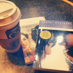 Photo taken at Barnes & Noble by Ami C. on 5/24/2012