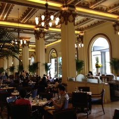 Photo taken at The Peninsula Hong Kong 香港半島酒店 by Yoshihiko S. on 5/20/2012