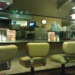 Photo taken at Norm's Restaurant by Bianca L. on 5/1/2012