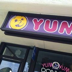 Photo taken at Yum Yum Donuts by Liza on 5/19/2012