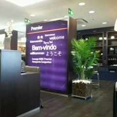 Photo taken at Lounge HSBC Premier by Jesus Javier G. on 3/10/2012