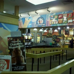 Photo taken at Golden Corral by Scott D. on 10/17/2011
