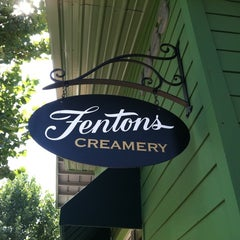 Photo taken at Fentons Creamery & Restaurant by David C. on 9/11/2011