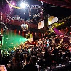 Photo taken at Mansion Nightclub by Yusri Echman on 7/27/2012