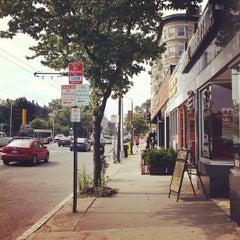 Photo taken at Floyd's 99 Barbershop by Jakub H. on 7/24/2012