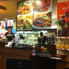 Photo taken at Black Canyon (แบล็คแคนยอน) by เอฟ เ. on 10/8/2011