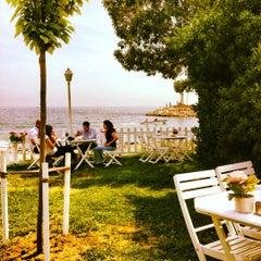 Photo taken at Çapari Bahçe Cafe by Didem Y. on 5/27/2012