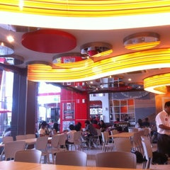 Photo taken at KFC / KFC Coffee by Yofie S. on 12/20/2011