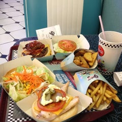 Photo taken at Yesterday American Diner by Annie I. on 6/9/2012