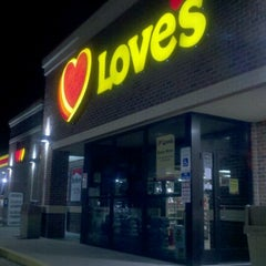 Photo taken at Love's Travel Stop by Jay D. on 8/16/2011