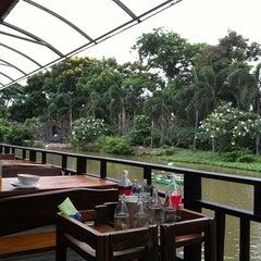 Photo taken at บ้านชานกรุง (Baan Chan Krung) by Manasit S. on 6/24/2012