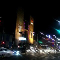 Photo taken at 신세계백화점 (SHINSEGAE Department Store) by shutterbug b. on 2/10/2012