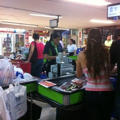 Photo taken at Tiendas Jumbo Cabecera by Maria Fernanda R. on 2/26/2012