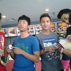 Photo taken at Burger King by ishyam i. on 3/12/2012